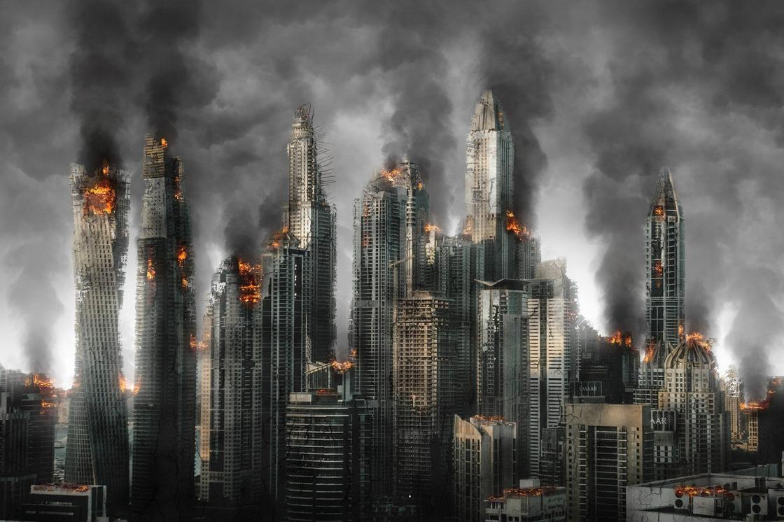Разрушенные и горящие здания