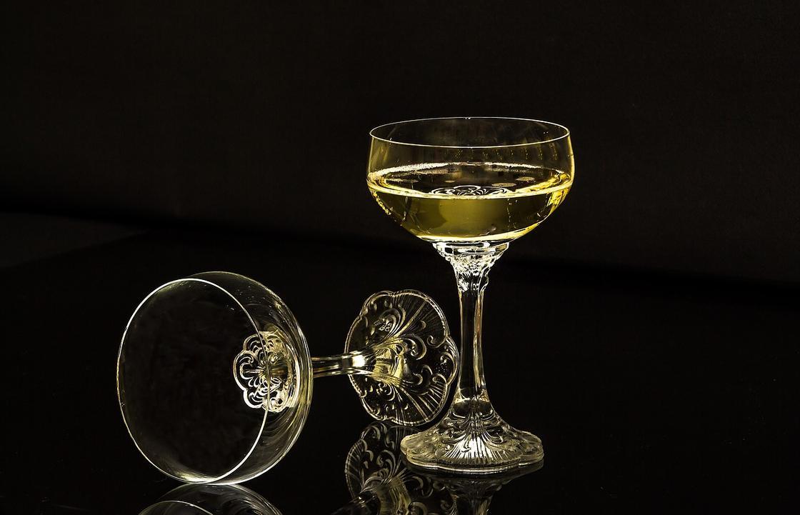Бокалы-блюдца для шампанского