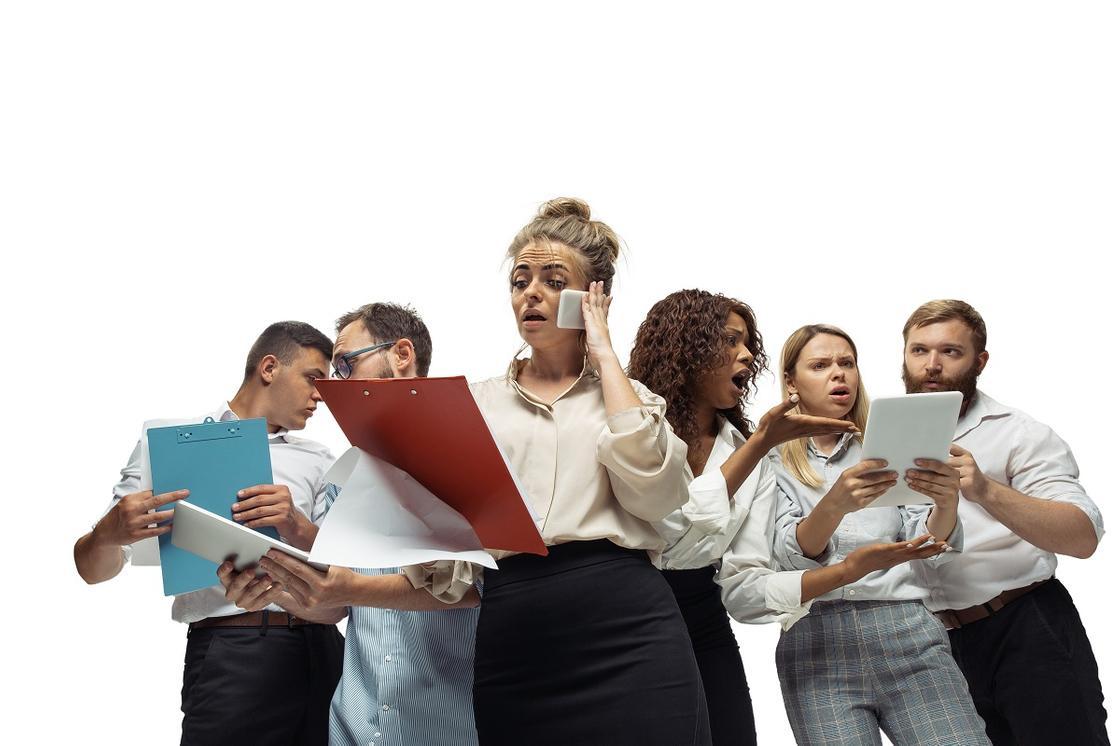 Офисные работники в панике