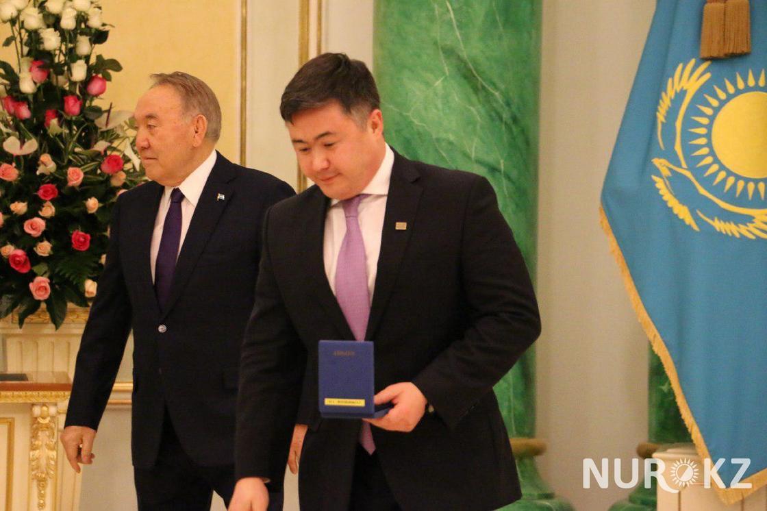 Досаев, Биртанов и Мырзахметов: Каких министров и акимов наградил Назарбаев к 16-му декабря