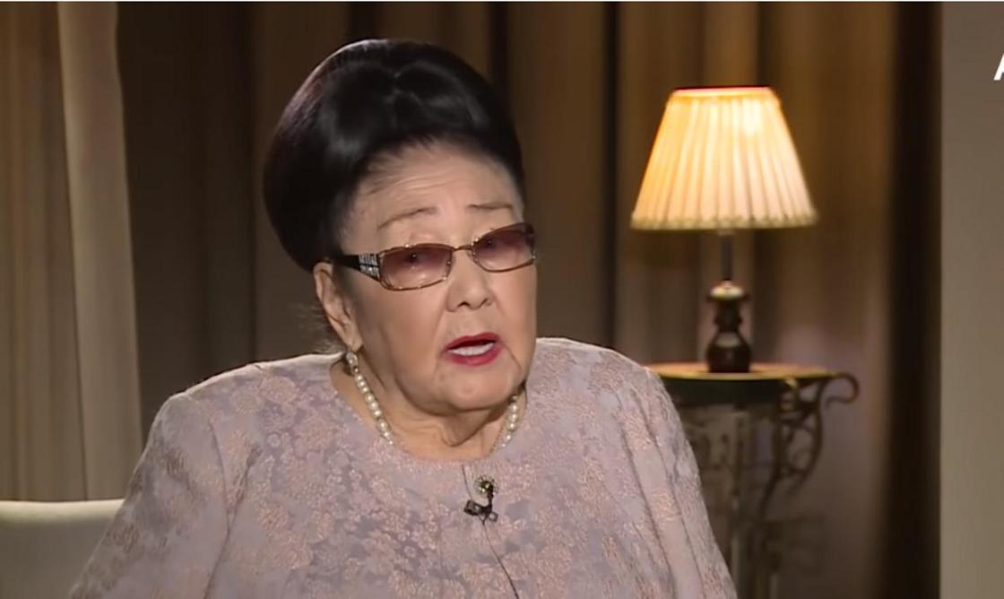 Бибигуль Тулегенова призналась, что когда-то сбежала от мужа-алкоголика