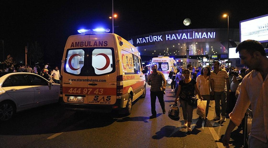 Туристов облили горящим маслом в Турции: среди пострадавших трое детей