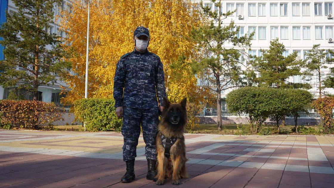 Руслан Кайралапов с собакой