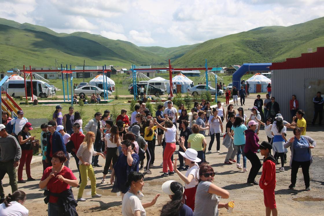 Пляжный сезон официально начался в Восточном Казахстане
