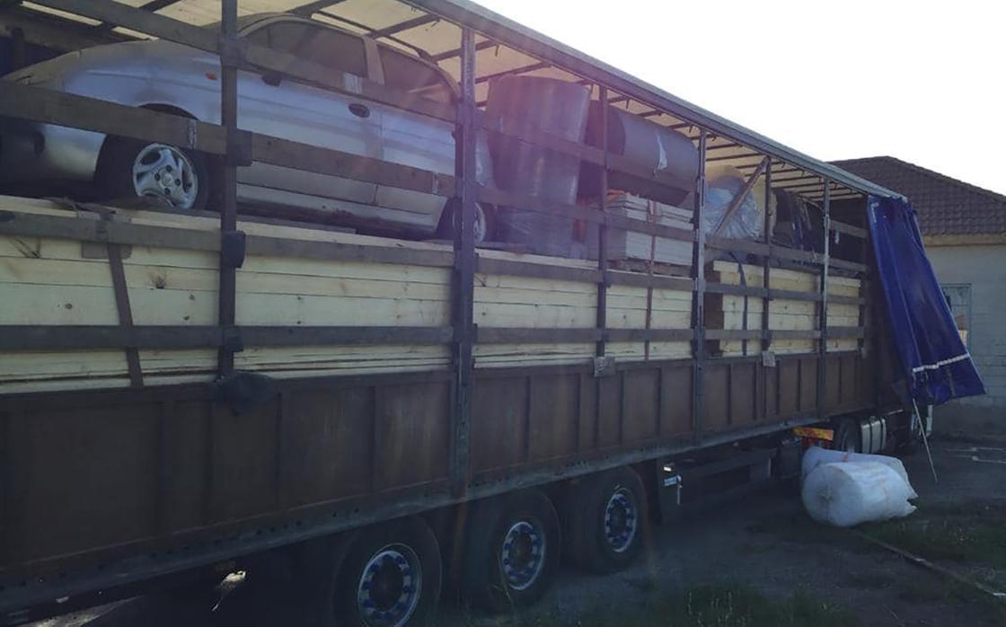 Пресечена попытка осуществить контрабанду автомобилей через казахстанскую границу (фото)