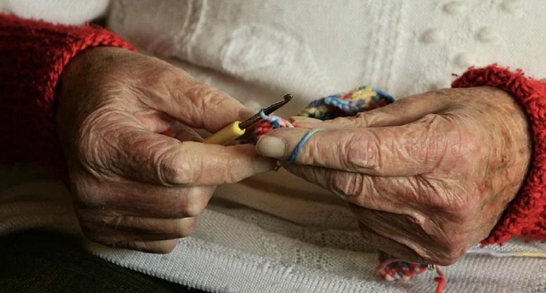 Коронавирус нашли у 36 человек в доме престарелых в Акмолинской области