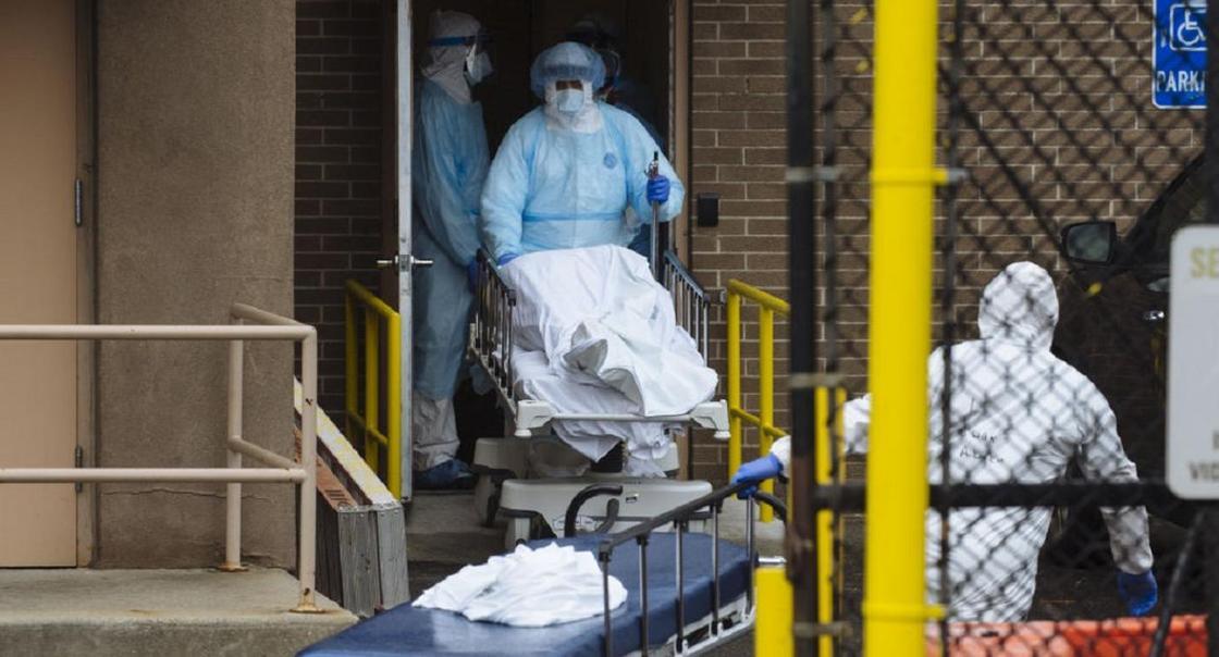 Главный санврач США сравнил последствия пандемии в стране с атакой на Перл-Харбор