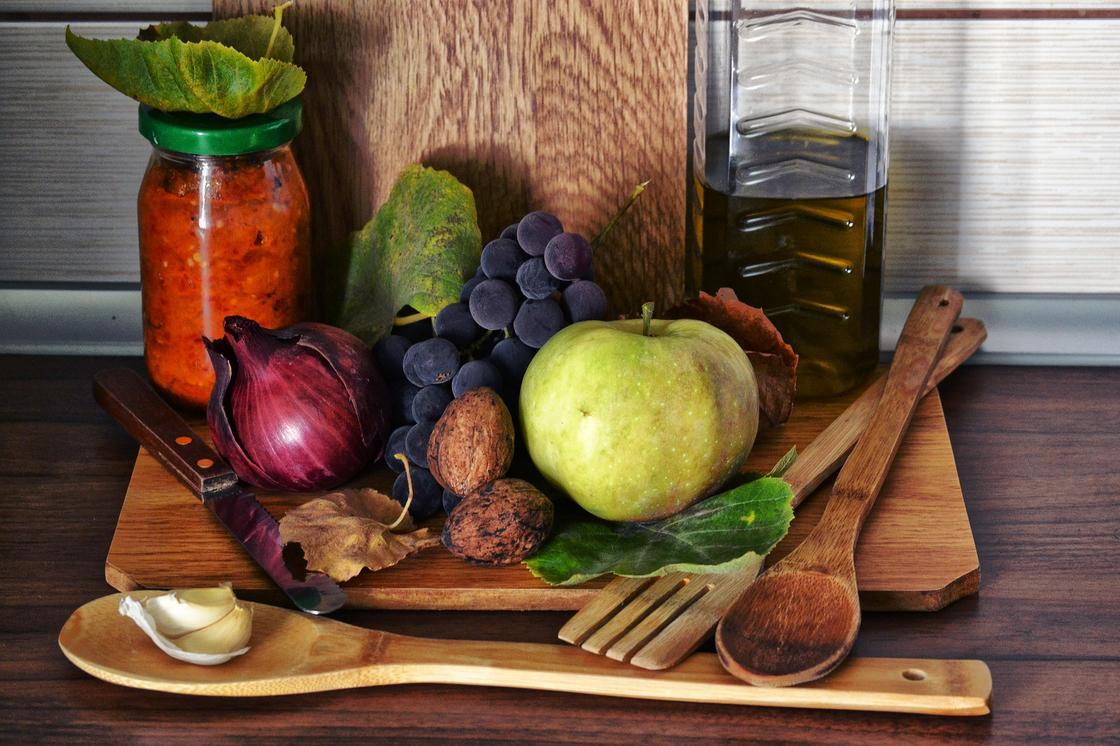 Названы продукты, способствующие качественному загару