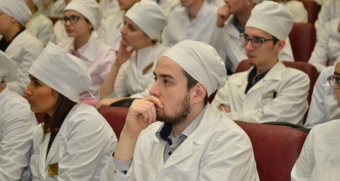 Даниал Ахметов: Система подготовки врачей архаична и слаба