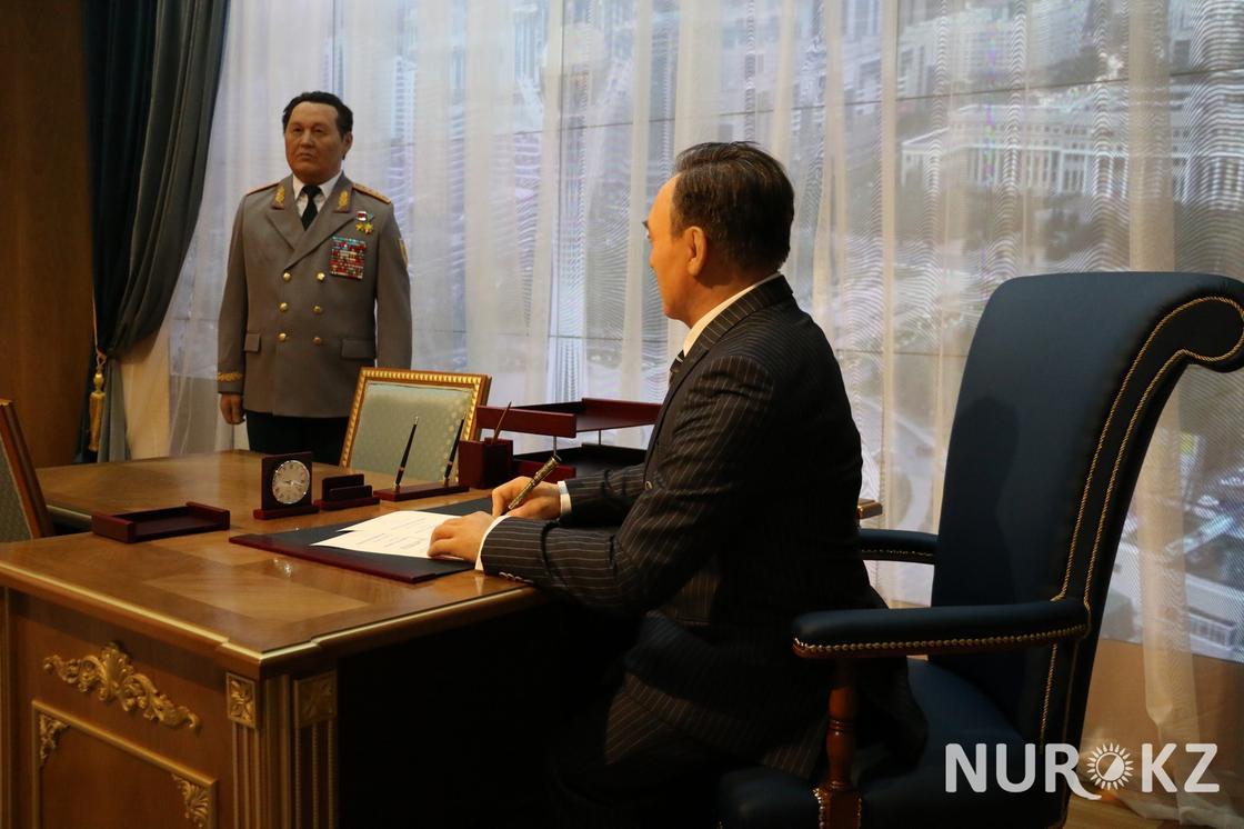 Восковая копия Назарбаева появилась в Астане ко Дню первого президента (фото)