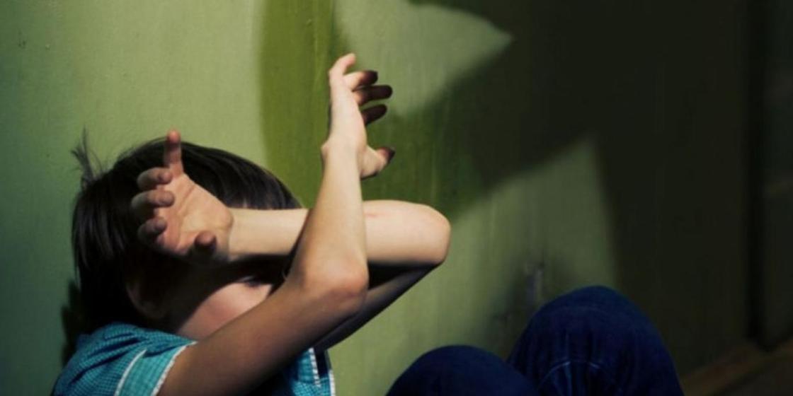 Қасым-Жомарт Тоқаев балаларға зорлық көрсеткентерді қатаң жазаға тартатын заңға қол қойды