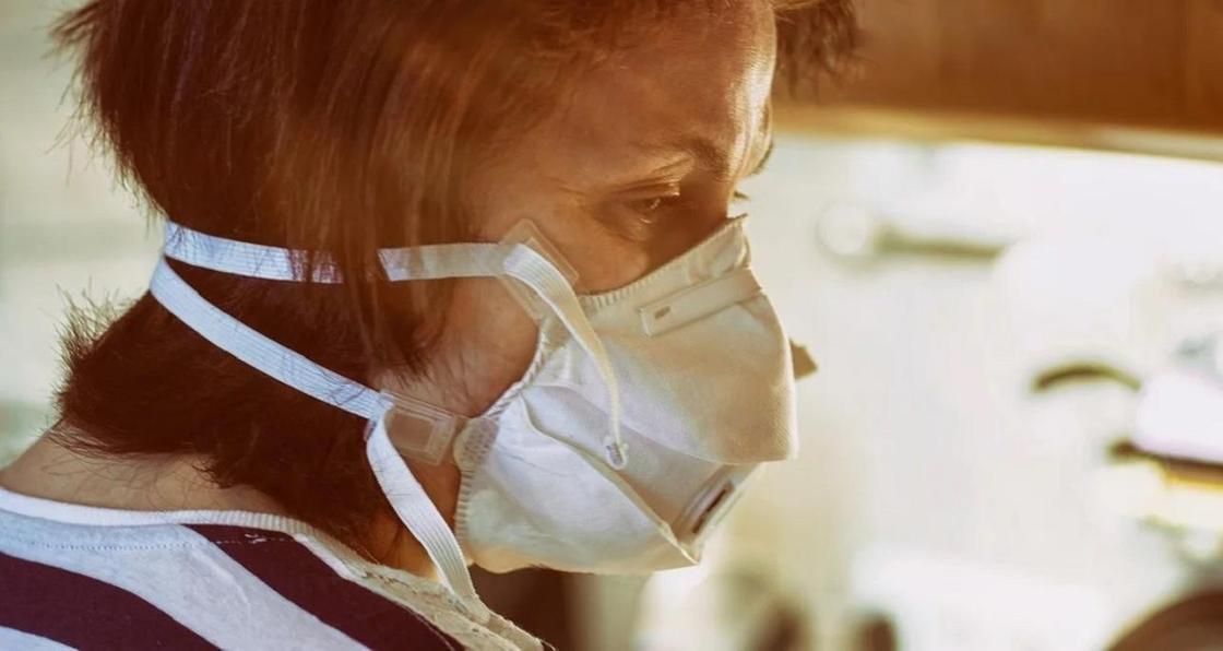 Восемь человек заразились коронавирусом от своего родственника в Шымкенте