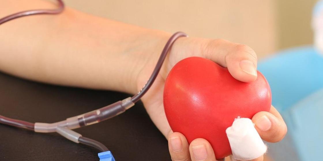 Верующие родители отказываются переливать кровь дочери, которой требуется срочная операция в Караганде