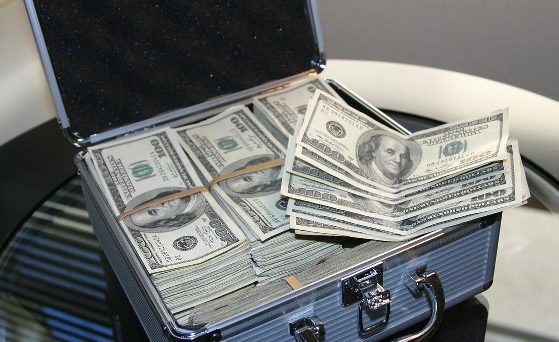 Американским богачам предсказали потерю сотен миллиардов долларов