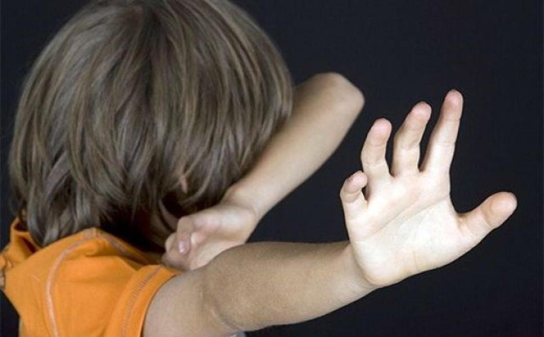 32-летний житель Павлодара избил двух детей на улице