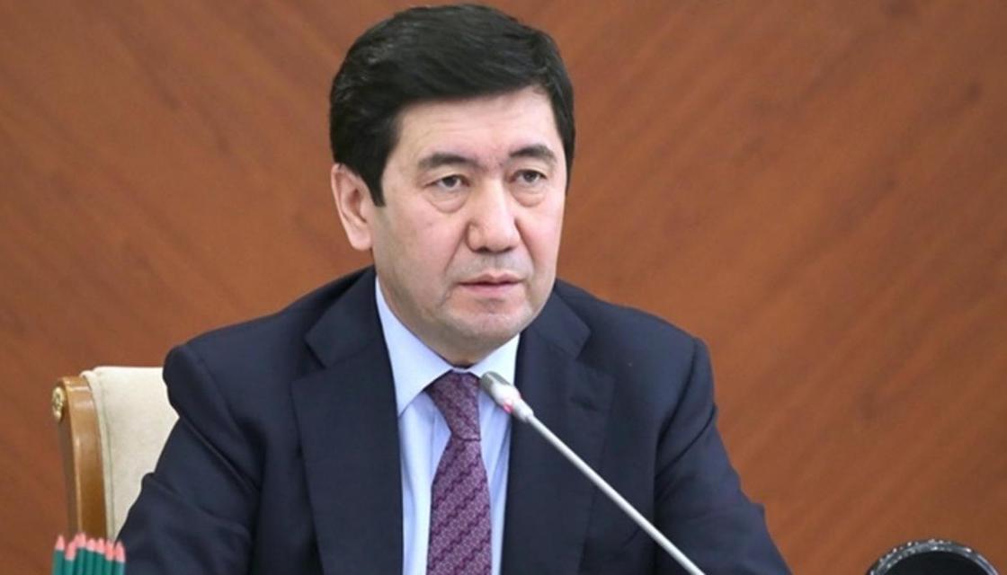 Аким Карагандинской области раскритиковал работу городских служб