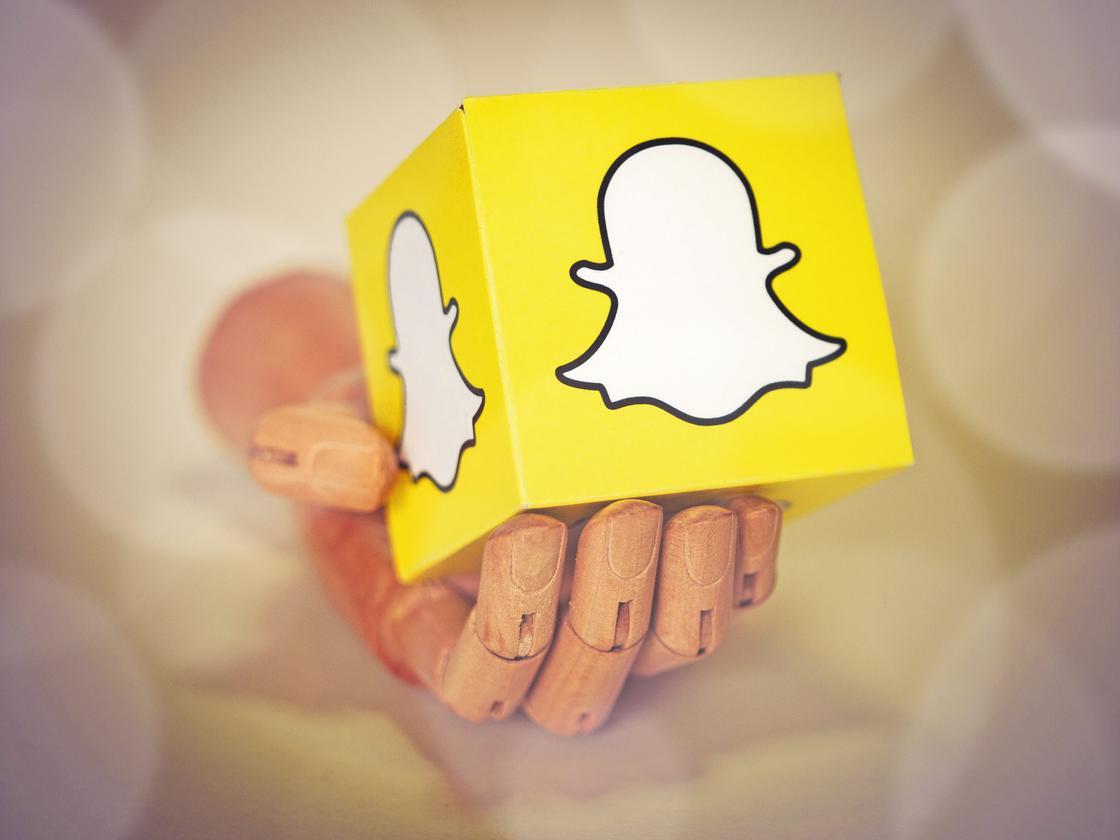 Кубик с логотипом Snapchat
