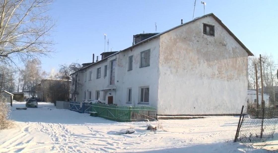 """Аким СКО рассказал, как жил в """"двухэтажке"""""""