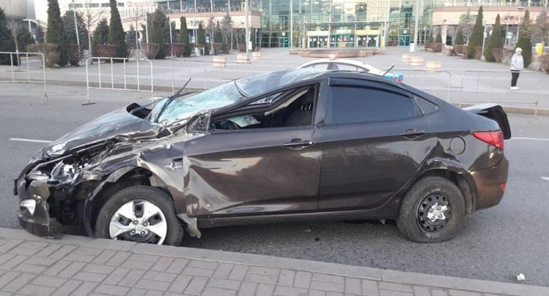 Пьяная девушка насмерть сбила пешехода в Алматы (фото)