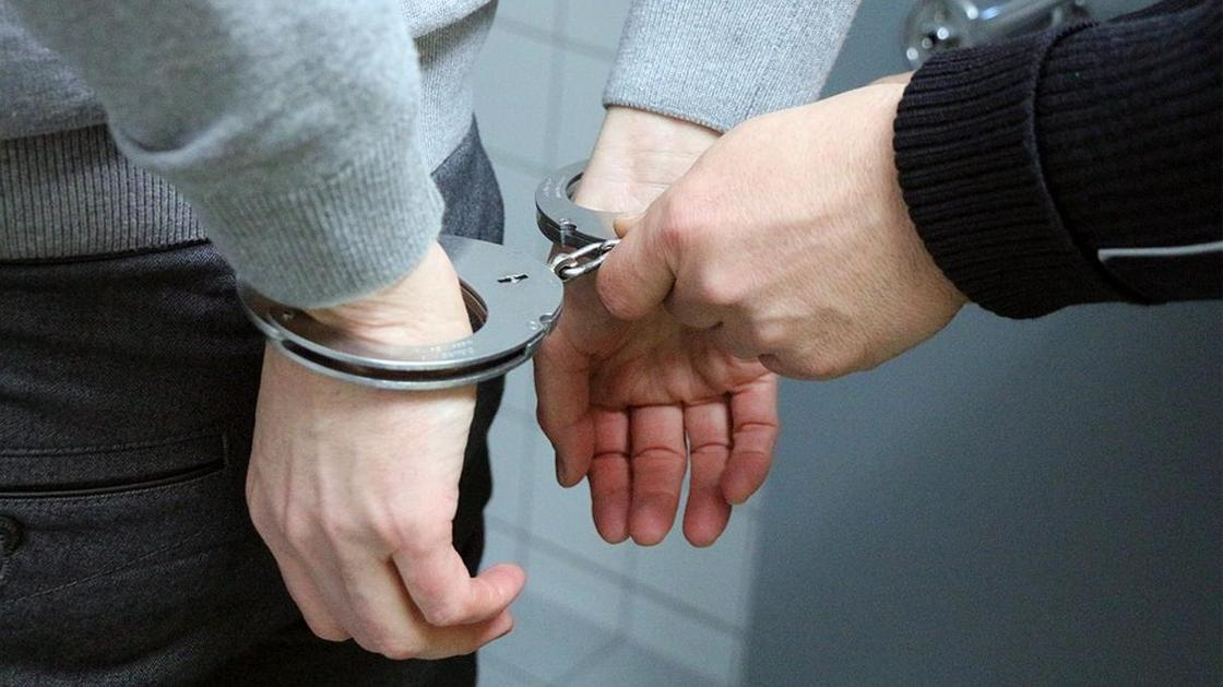 Нұр-Сұлтан полицейлері 16 млн теңгенің дәрі-дәрмегі мен маскаларын тәркіледі