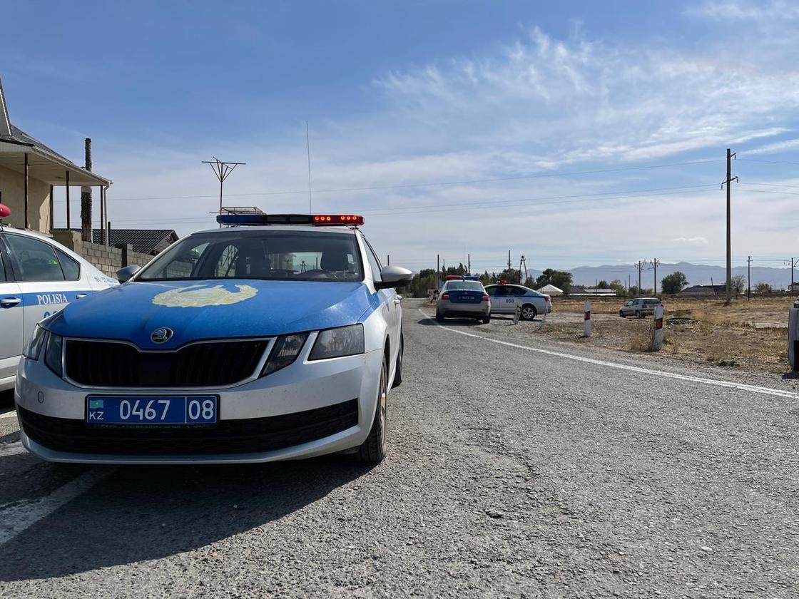 Полицейская машина в Байзакском районе