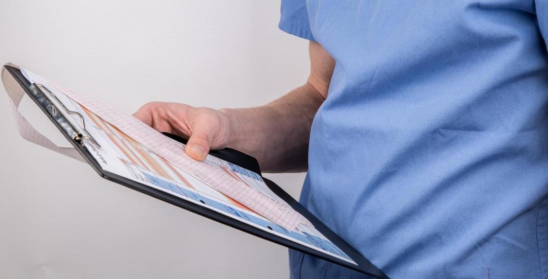 БҚО-да коронавирустан көз жұмған қария ауруханаға өте ауыр жағдайда түскен