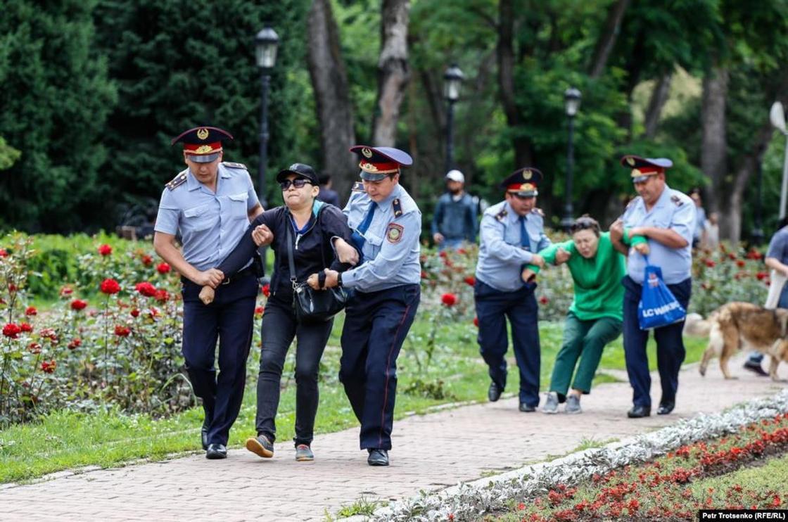 МВД: «Просто так» во время митингов не задерживали