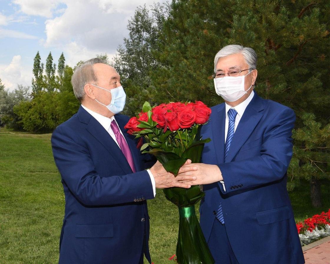 Токаев поздравил Назарбаева с юбилеем
