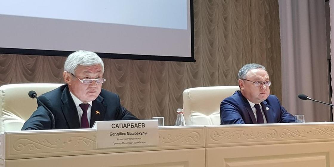Вице-премьер Бердібек Сапарбаев пен Ақтөбе облысының әкімі Оңдасын Оразалин