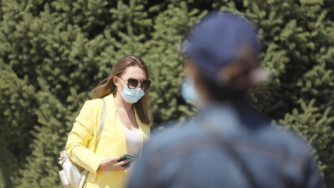 Бас санитар дәрігер қазақстандықтарға: Иектегі маска сіздерді қорғамайды