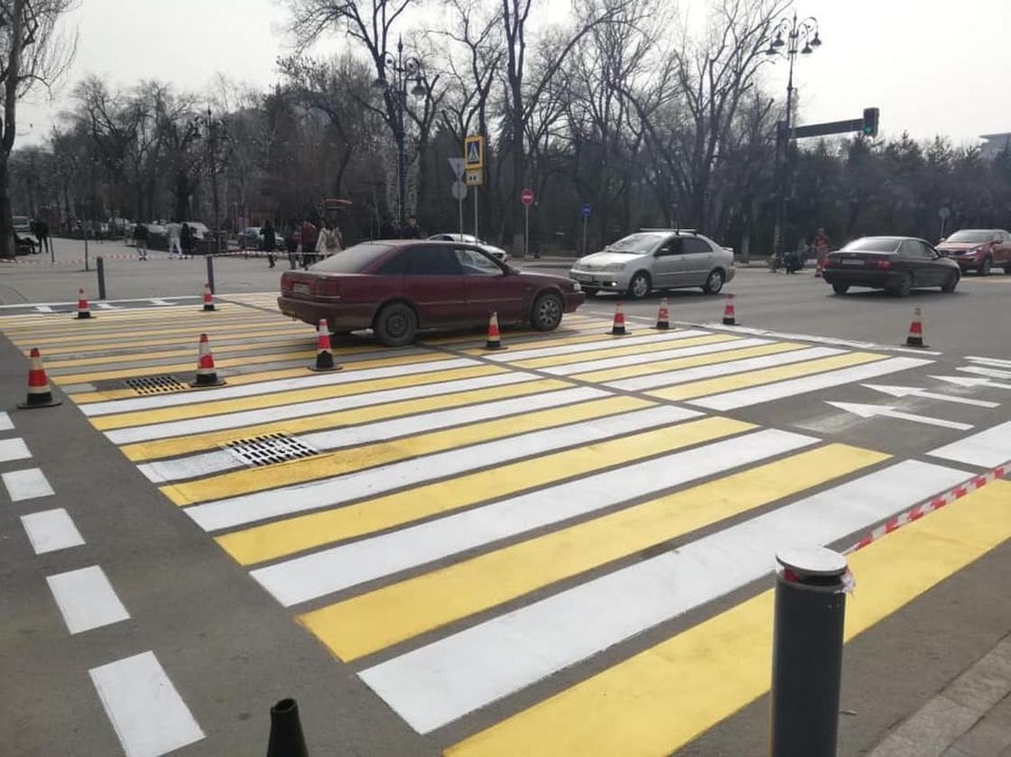 Замакима разъяснил ситуацию с дорожными разметками и знаками в Алматы