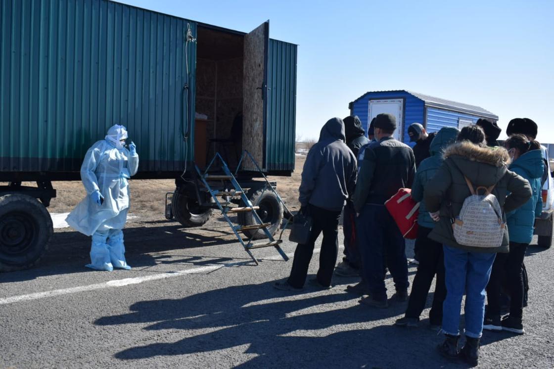 """""""Нигде такого нет"""": иностранец удивился работе блокпостов в Казахстане"""