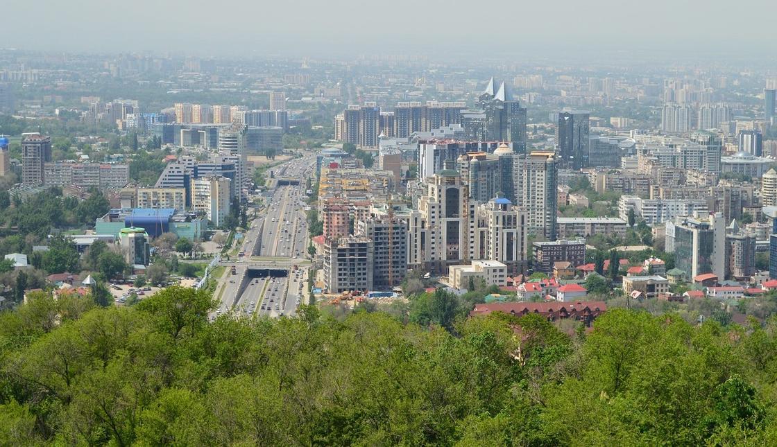 Алматинцы пережили самый жаркий день за последние 125 лет