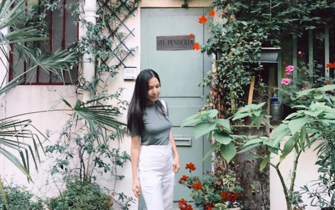 """16.03 """"Веселились над моими письмами"""": казахстанка рассказала о работе в Париже"""