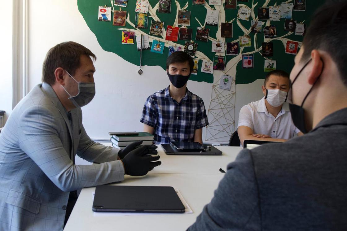 Молодежь Шымкента предложила свою помощь во время пандемии