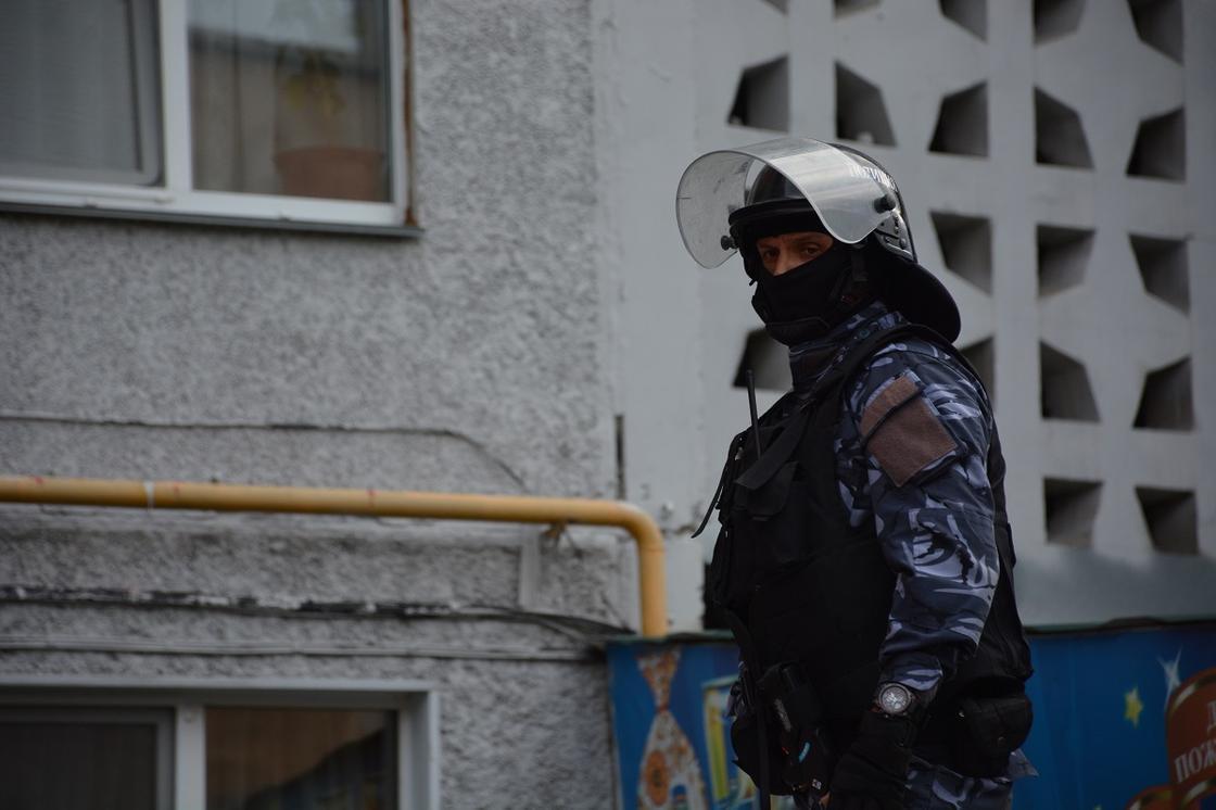 Ссора из-за собаки закончилась ножевым ранением и спецоперацией в Петропавловске (видео)