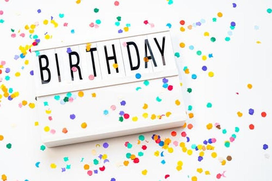 С днём рождения: красивые поздравления в стихах и прозе