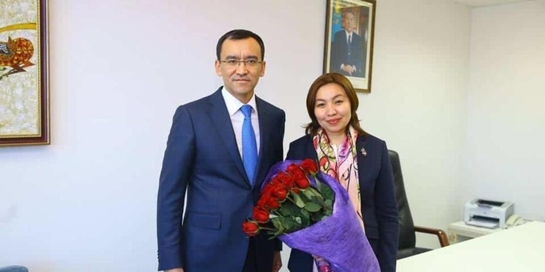 Мәулен Әшімбаев пен Бибігүл Жексенбай. Фото: Facebook.com/m.ashimbayev