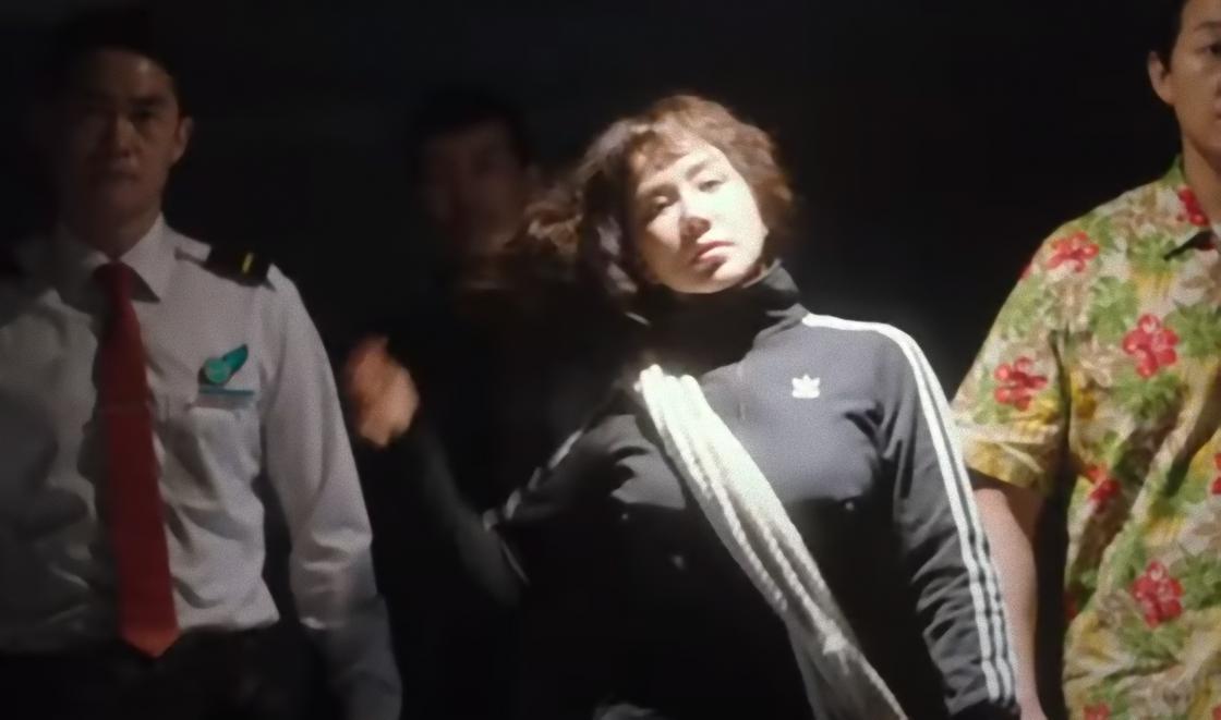 Кадр из фильма «Окей! Мадам»