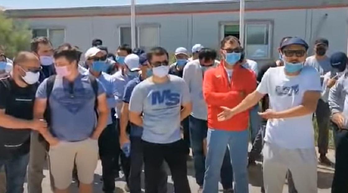 Вирус жұқтырған Маңғыстау кен орнының жұмысшылары Тоқаевқа үндеу жолдады (видео)
