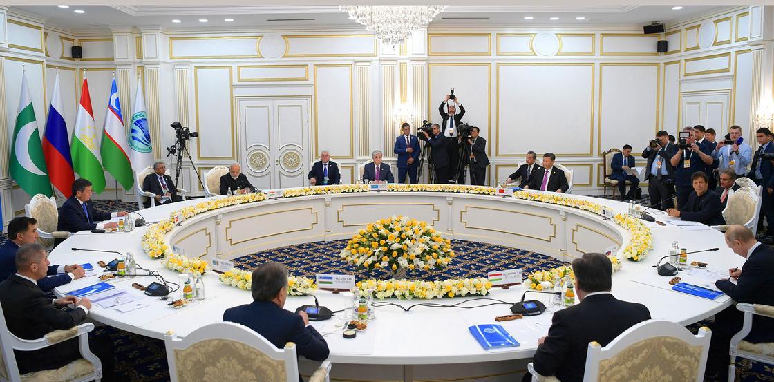 Какие документы были приняты по итогам саммита ШОС