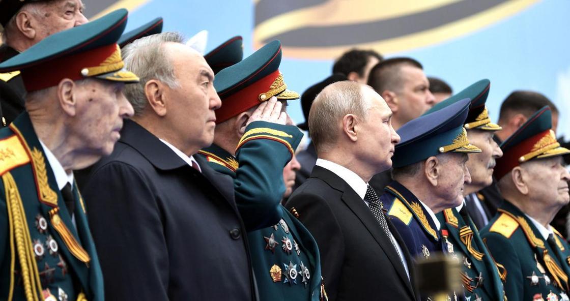 Путиннің шақыруымен Мәскеуге барған Назарбаев шеруді қалай өткізді?