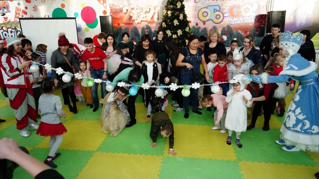 Новогоднюю сказку подарили особенным детям предприниматели и общественники в Кокшетау