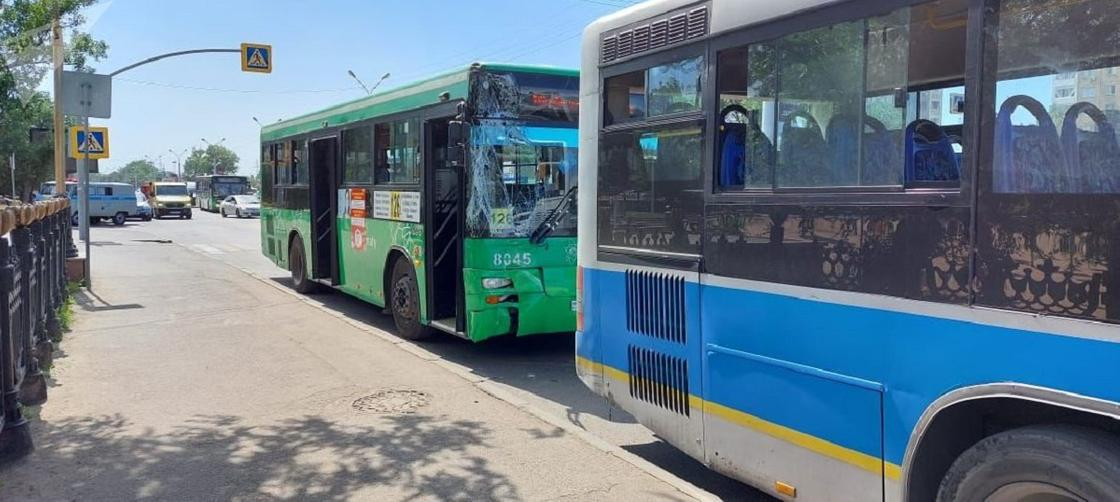 Пострадавшие в ДТП автобусы