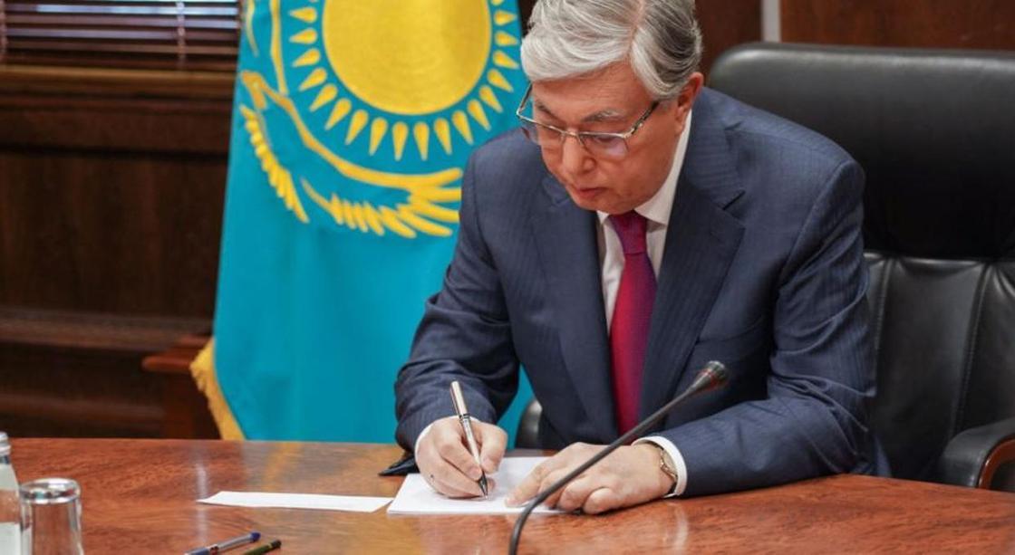 Токаев выразил соболезнования семье Болота Шамшиева