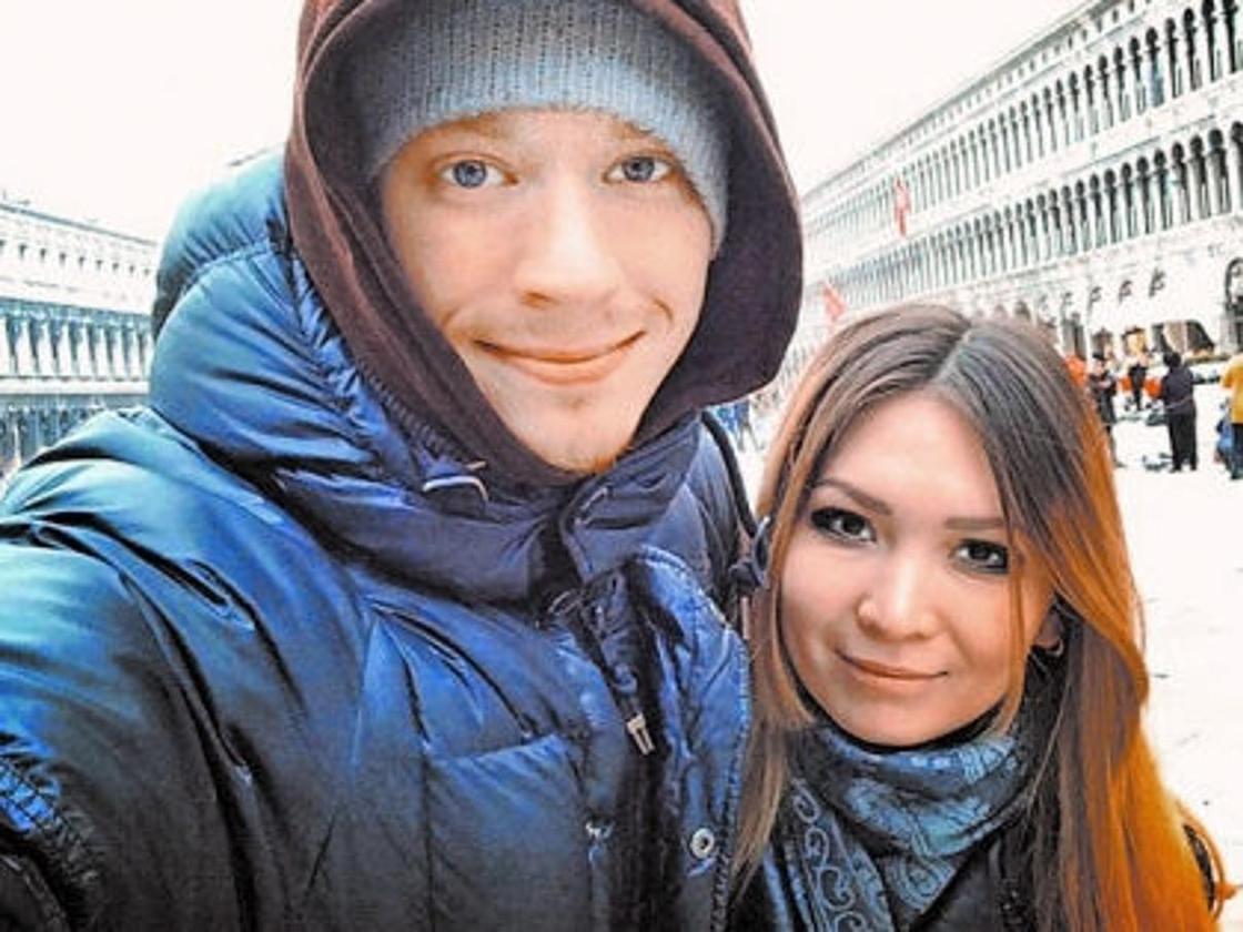 Никита Пресняков и Аида Калиева на прогулке