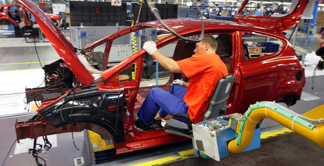 Toyota отзывает в Китае 13 тыс. автомобилей из-за дефекта фар