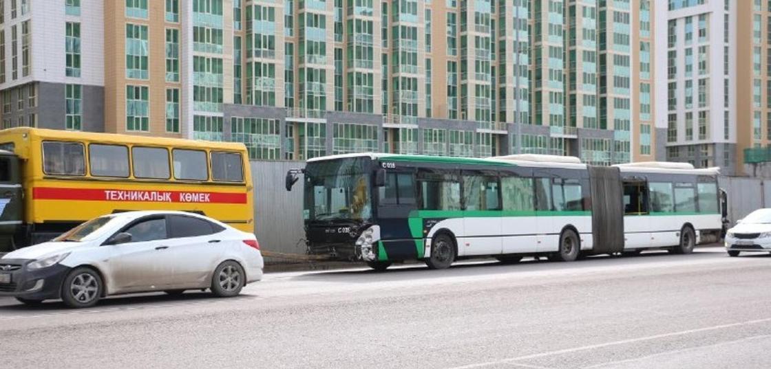 Три автобуса столкнулись в Нур-Султане: 25 пострадавших попали в больницу