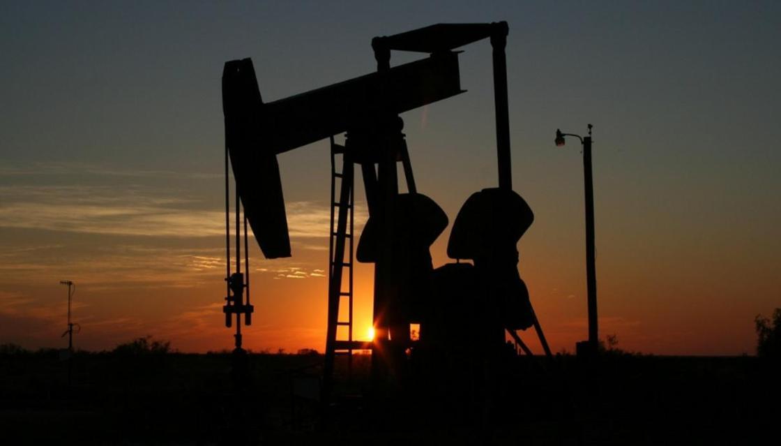 Рухнула добыча нефти: дроны атаковали НПЗ в Саудовской Аравии