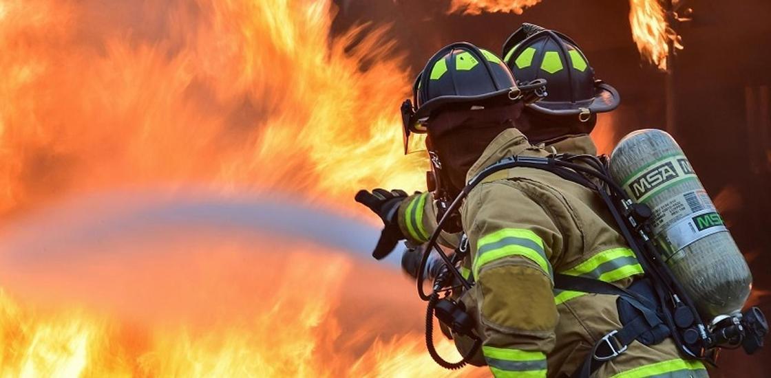 32 детей спасли из пожара в Атырау